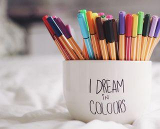Обои на телефон чашка, цветные, ручка, красочные, боке, cup
