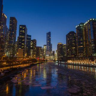 Обои на телефон чикаго, река, trump, chicago river