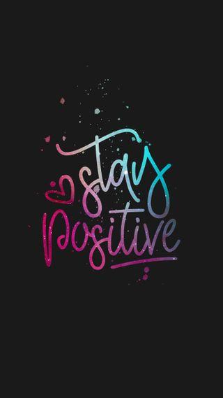 Обои на телефон be kind, stay positive, черные, сердце, космос, красочные, цитата, высказывания, мотивация, вдохновение, позитивные, будь