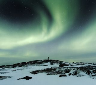 Обои на телефон холм, топ, удивительные, северный, природа, огни, небо, lit, hill top lights