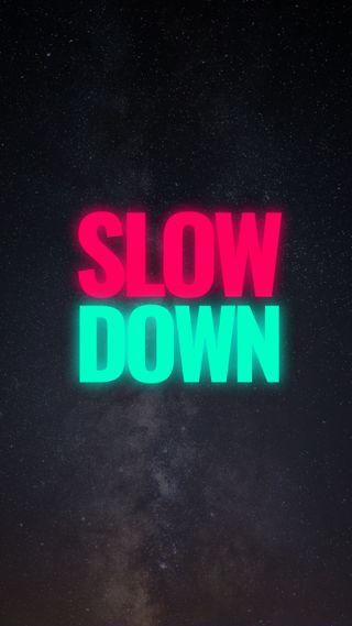 Обои на телефон минимализм, цитата, текст, простые, красые, зеленые, высказывания, вниз, slow down