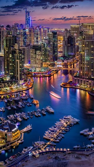 Обои на телефон огни, лодка, город, ночь, здания, дубай, harbour