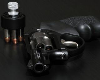 Обои на телефон опасные, оружие, revolver