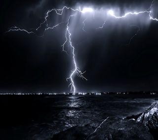 Обои на телефон свет, море, молния, картина