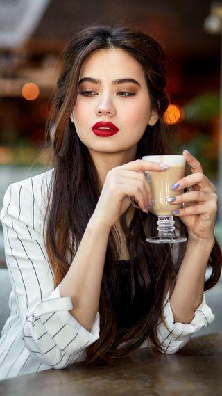 Обои на телефон шоколад, прекрасные, портрет, мышление, красые, красота, кафе, девушки, губы, горячий, what to do now, red lips, hot chocolate, hd