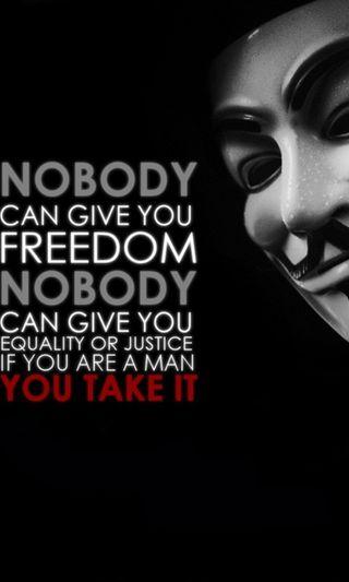 Обои на телефон цитата, справедливость, сильный, свобода, поговорка, маска, закон, вендетта, будь, анонимус, be strong, anonymous quote