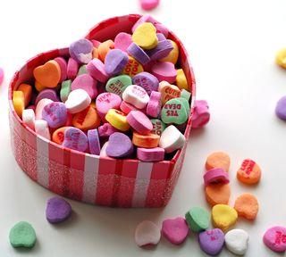 Обои на телефон конфеты, валентинка, сердце, valentine hearts