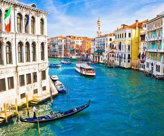 Обои на телефон утро, озеро, прекрасные, пейзаж, лодка, италия, дома, город, венеция