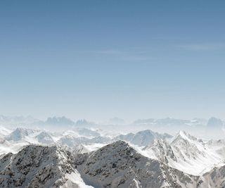 Обои на телефон холм, снег, небо, горы, over the mountains, hd