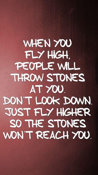 Обои на телефон высокий, цитата, поговорка, новый, люди, летать, крутые, камни, знаки, жизнь, live