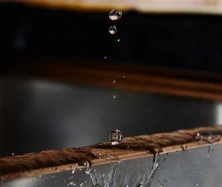 Обои на телефон капли дождя, капли, дождь, вода, hd water drop