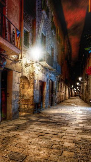 Обои на телефон изображения, улица, старые, символы, ночь, дом, город, боги, белые, rooms