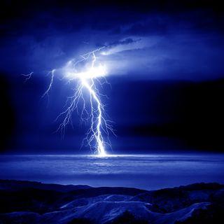 Обои на телефон молния, природа, облака, ночь