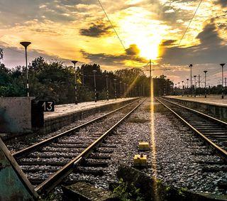 Обои на телефон станция, поезда, закат, tran station, train station, rails, cloudly