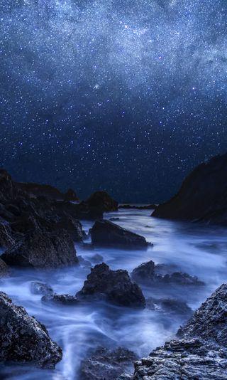 Обои на телефон ночь, небо, море, камни, night and sea