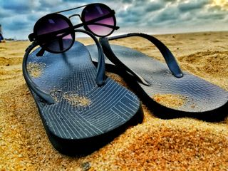 Обои на телефон солнечные очки, пляж, небо, slippers, browns beach