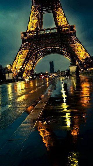 Обои на телефон эйфелева башня, франция, париж, ночь, дождь, башня