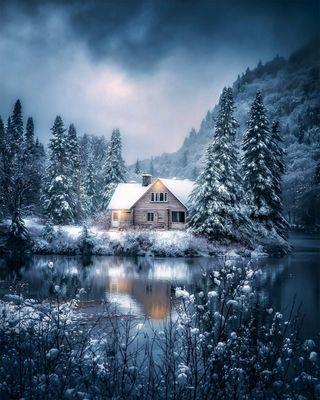 Обои на телефон природа, зима, горы, лес, деревья, озеро, холодное, дом, холод, домик