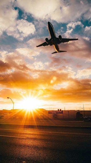 Обои на телефон самолет, полет, небо, майами, закат, город