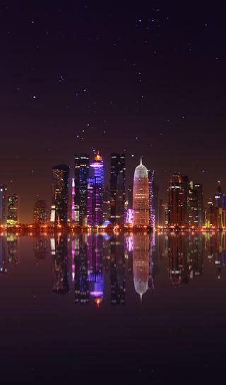 Обои на телефон стамбул, отражение, ночь, небоскребы, небо, море, звезды, qatar, doha