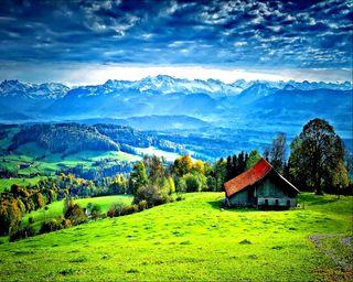 Обои на телефон трава, дом, горы, mountain house