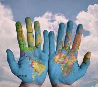 Обои на телефон карта, руки, рука, мир, world-map-on-hand, map on hands