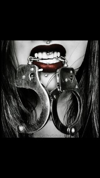 Обои на телефон вампиры, vampire handcuff, handcuffs