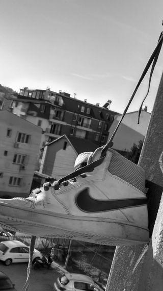 Обои на телефон обувь, найк, люди, здания, people fuuny, nike