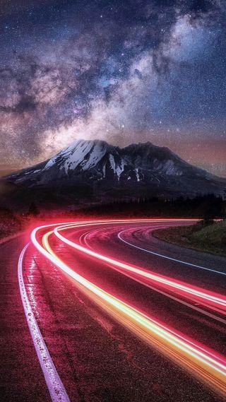 Обои на телефон скорость, свет, природа, огни, ночь, небо, машины, дорога, горы, streaks, fast, car lights, car light streaks