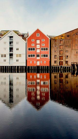 Обои на телефон старые, река, норвегия, дома, вода, архитектура, trondheim, river reflections, hd
