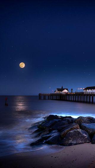 Обои на телефон пляж, луна