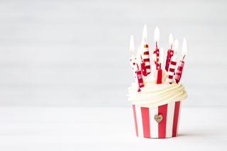 Обои на телефон торт, счастливые, свечи, день рождения, happy