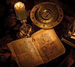 Обои на телефон компас, книга