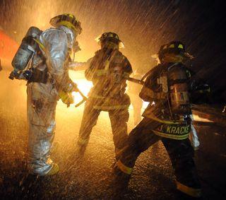 Обои на телефон опасные, огонь, горящий, герои, firefighters 2, firefighters, fighters