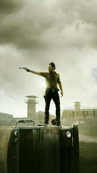 Обои на телефон ходячие мертвецы, ходячие, мертвый, оружие, автобус, zombi