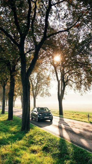 Обои на телефон электрические, утро, природа, парк, машины, деревья, восход, бмв, авто, i3, bmw