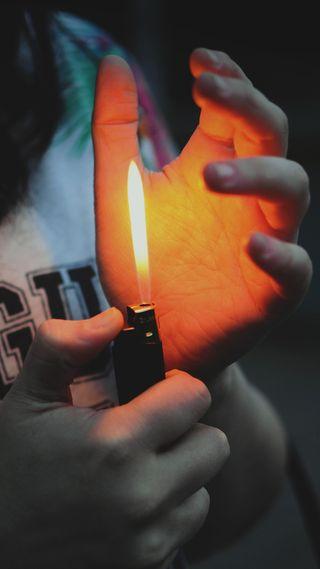 Обои на телефон сигареты, рука, пик, новый, мальчик, классные, зажигалка, new pic, hand with lighter, hand with cigarette, boy hand