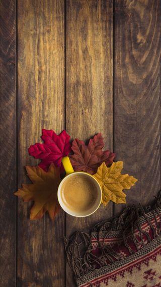 Обои на телефон чашка, утро, сезон, осень, листья, кофе, деревянные, дерево, cup