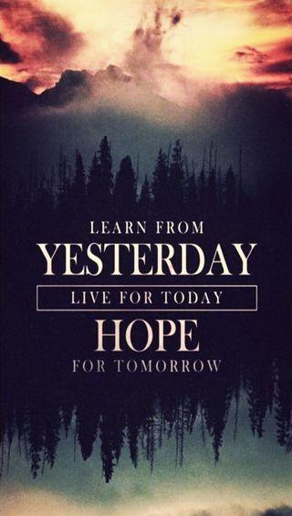 Обои на телефон lesson, yesterday, lesson of life, поговорка, жизнь, знаки, будущее, сегодня