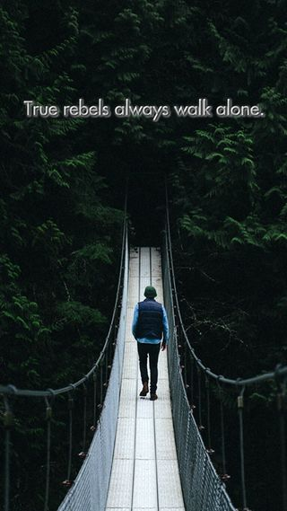 Обои на телефон прогулка, одиночество, жизнь, высказывания, rebels walk alone