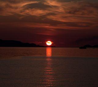 Обои на телефон setting sun, природа, красые, море, закат, свет, облака, океан, солнце, красота, фото, отражение, берег, солнечный свет, яркие