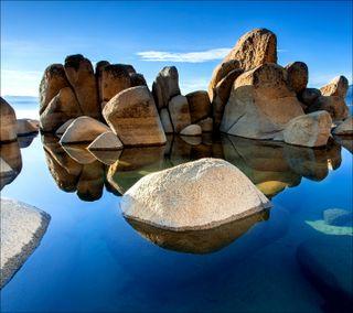 Обои на телефон камни, море