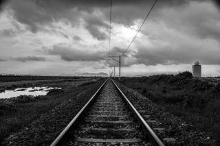 Обои на телефон поезда, черные, рельсы, одиночество, железная дорога, белые, trenyolu, siyah