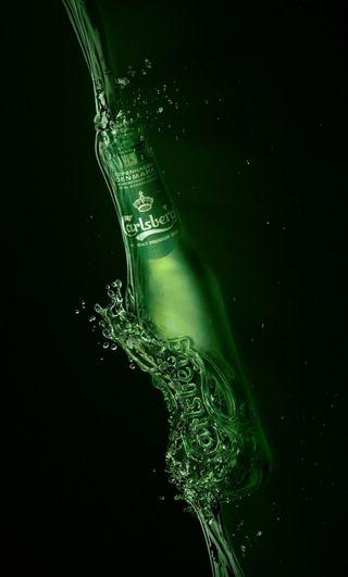 Обои на телефон алкоголь, стекло, сломанный, пиво, вода, calrsberg