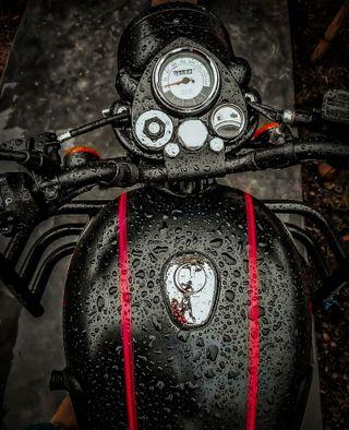 Обои на телефон черные, мотоцикл, всадник, байк, royal enfield, bullet