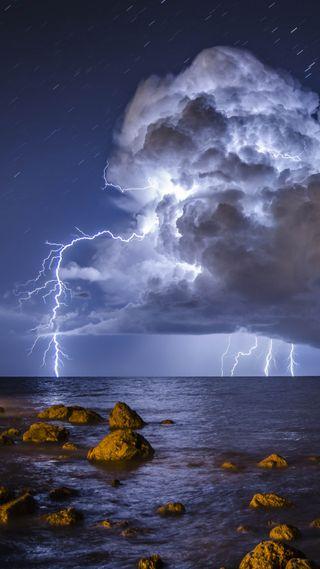 Обои на телефон шторм, синие, природа, облака, небо, море, молния, камни