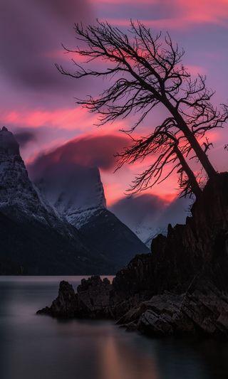 Обои на телефон сумерки, стена, река, прекрасные, дерево, горы