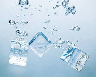 Обои на телефон подводные, синие, пузыри, куб, вода, аква, ices