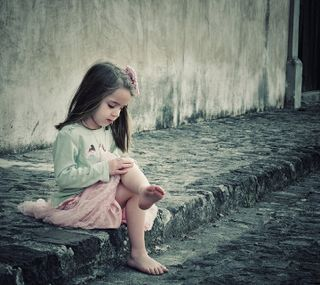 Обои на телефон ребенок, мама, child without mother, child without a mother, ----------------