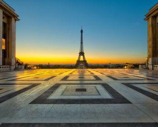 Обои на телефон эйфелева башня, франция, париж, закат, башня